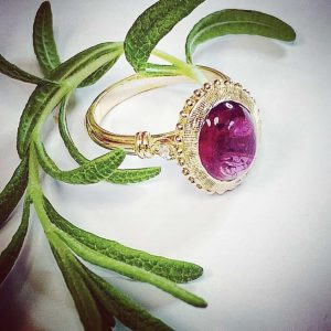 Beautiful-red-tourmaline-ring-in-gold